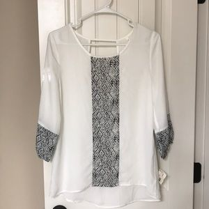 PERFECT! black and white blouse!